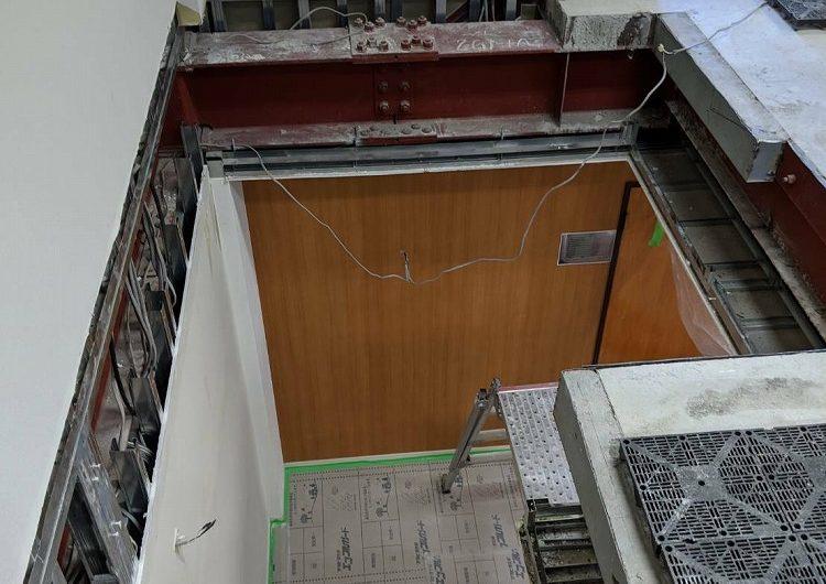 東京都内,事務所内螺旋階段撤去工事